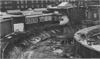 Seit 1953 ist die Rheumaheilstätte, später Rheumaklinik, ständig modernisiert worden. Das gilt für den medizinischen Bereich ebenso wie für den wirtschaftlichen Zweig und die Verwaltung. Das Foto zeigt Erdarbeiten für den Neubau des Bade-hausringes. der 1976 / 1979 in zwei Abschnitten verwirklicht wurde
