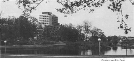 Durch einen Grüngürtel ist in jüngster Zeit die Stadt Bad Bramstedt mit der Rheumaklinik verbunden worden. Besonders geglückt ist die Anbindung durch seenartige Teiche am Intermar-Hotel Köhlerhof.