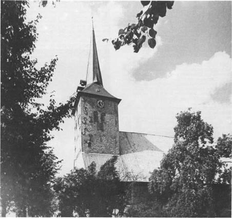 Die Maria-Magdalenen-Kirche zu Bad Bramstedt. 1316 erstmals urkundlich erwähnt. Die Kirche ist heute noch ein bedeutender geistlicher Mittelpunkt für ein großes Einzugsgebiet.