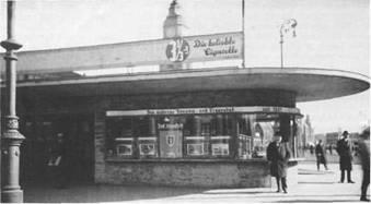 """Für """"Das moderne Rheuma- und Frauenbad seit 1681"""" warb am Hamburger Hauptbahnhof um 1930 ein Verkehrspavillon. Die Werbung war erfolgreich, denn viele Hamburger kamen als Kurgäste nach Bad Bramstedt"""
