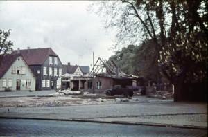 Abbruch der Häuser Ecke Maienbeeck / Landweg um die Zufahrt zum neuen Liethberg zu schaffen - hier Abbruch des Haues des Zigarrenhändlers Möller